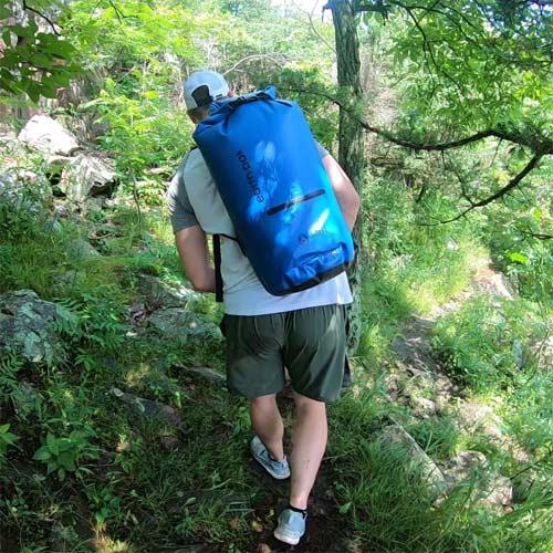 Cómo elegir una bolsa estanca para trekking