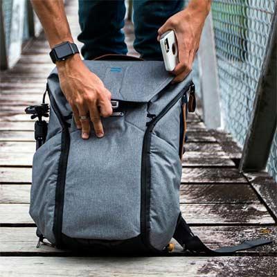 Bolsillos exteriores de las mochilas de senderismo