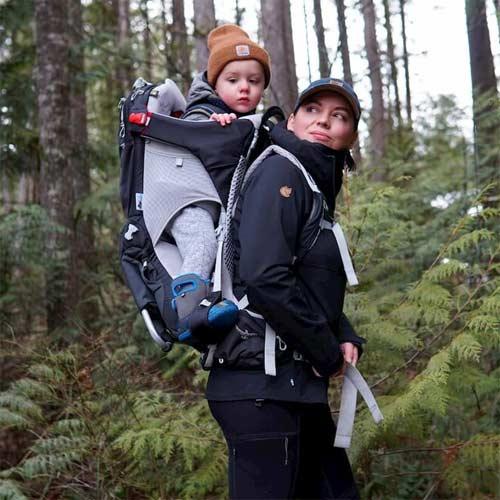 Mochilas para llevar bebés de montaña